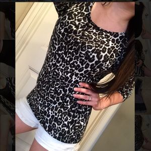 Divided by H&M black cheetah 3/4 sleeve top 4 S